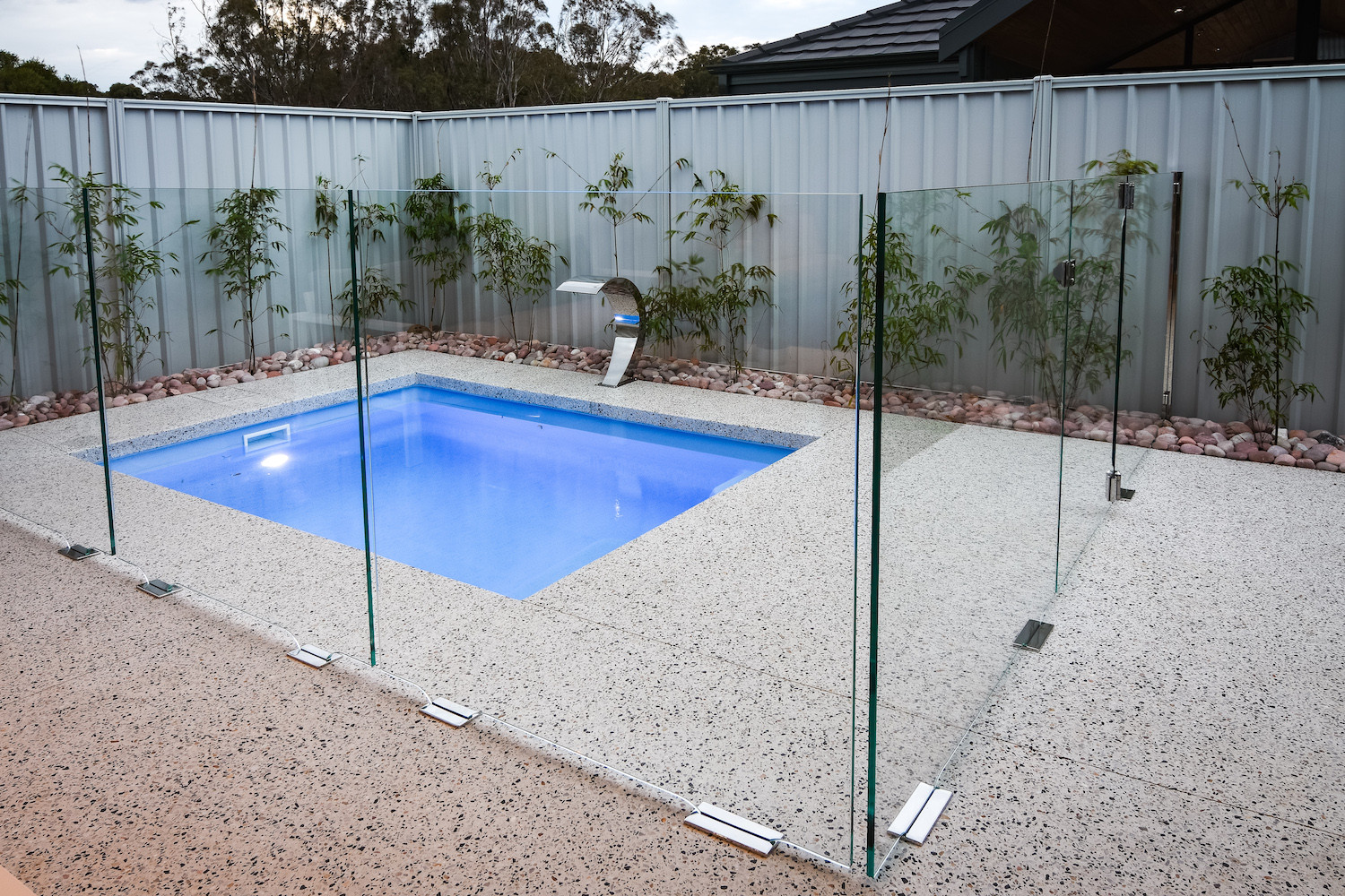 WA Glass Pool Fencing | Cheap glass pool fencing Perth