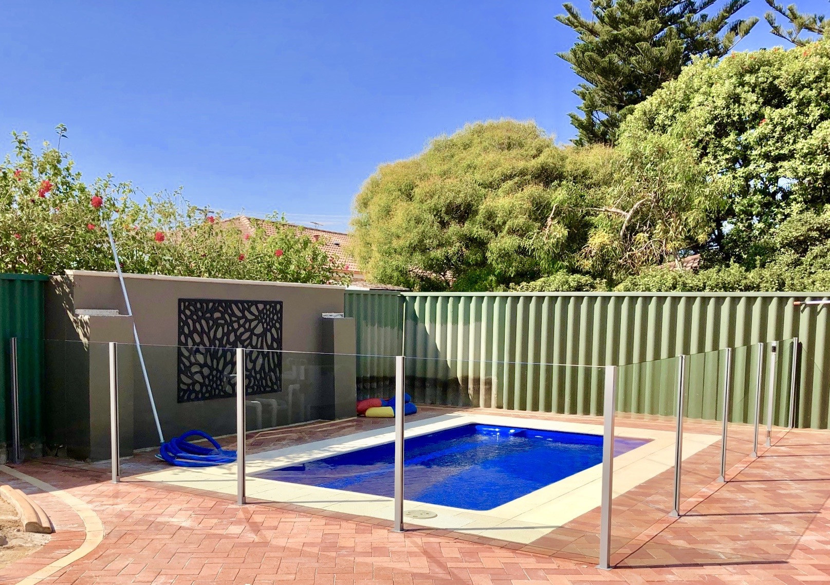 Picture of: Wa Glass Pool Fencing Cheap Glass Pool Fencing Perth